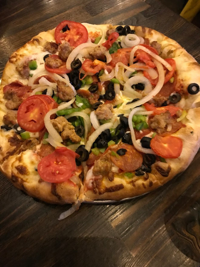 Supreme pizza loadd with vegetables