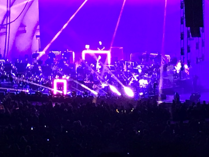 Blue lit Pete Tong and the Heritage Orchestra at the Hollywood Bowl